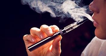 Người hút thuốc lá điện tử đầu tiên tử vong