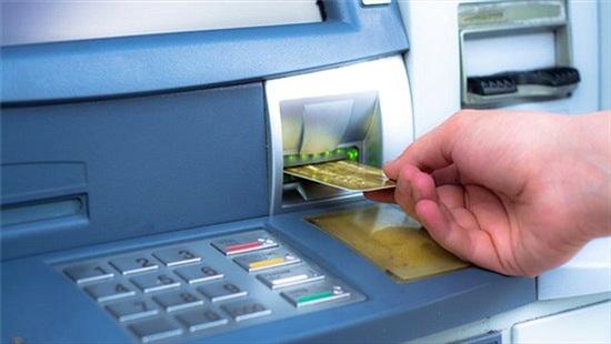 Cách khóa thẻ ATM bằng tin nhắn và ứng dụng