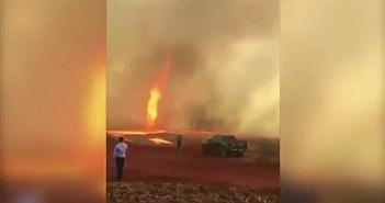Video: Hãi hùng cảnh vòi rồng lửa nóng hơn 1000 độ C càn quét