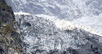 Sông băng trên núi Mont Blanc có nguy cơ sụp đổ