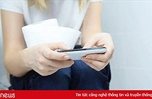 Sử dụng điện thoại trong nhà vệ sinh, tưởng vô hại mà hiểm hoạ cho cơ thể không ngờ