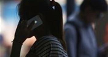 Phần mềm gián điệp được cài sẵn trong iPhone