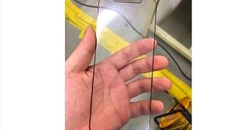 Rò rỉ màn hình iPhone Xs Plus sản xuất tại Việt Nam