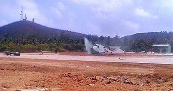 Trực thăng quân sự rơi gãy đôi tại đảo Phú Quý