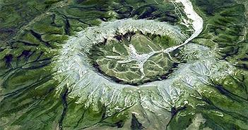 Khối núi hình tròn chứa đầy kim loại quý