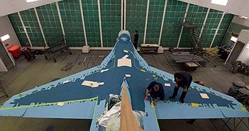 """Kinh ngạc cách Mỹ """"hô biến"""" tiêm kích F-16 thành Su-57 của Nga"""