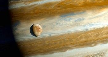 NASA phát hiện dấu hiệu tiềm năng sự sống trên mặt trăng của sao Mộc