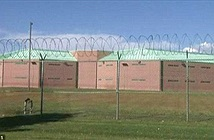 Bị vợ trả về nhà tù chỉ 2 giờ sau khi vượt ngục