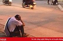 Xôn xao hình ảnh nam sinh ôm đầu lang thang cả đêm ngoài đường không dám về nhà gặp bố mẹ vì không làm được bài