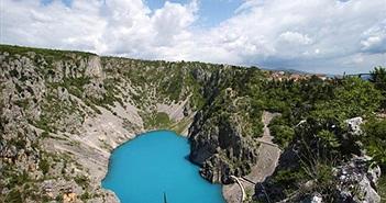 Giải bí ẩn hồ nước tuyệt đẹp nhưng ai cũng chết khiếp