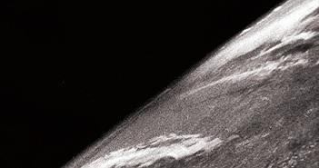 Bức ảnh đầu tiên chụp Trái đất từ tên lửa 70 năm trước