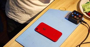 Mổ xẻ iPhone XR tại Việt Nam: chưa từng có chiếc máy nào mở khó đến thế!
