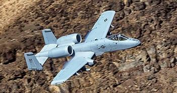"""""""Lợn chiến"""" A-10 hơn 40 tuổi của không quân Mỹ chưa chịu ngừng bay"""