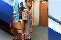 Cậu bé đồng hồ đòi bồi thường 15 triệu USD