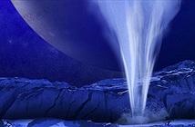 Sự thực sửng sốt Mặt trăng Europa đang phun hơi nước