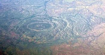 Có thể dự đoán khi nào thiên thạch khổng lồ sẽ đâm vào Trái đất theo miệng núi lửa