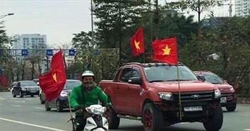 Không khí đón U23 Việt Nam ngoài sân bay Nội Bài từ cư dân mạng