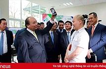 """Thủ tướng Nguyễn Xuân Phúc: """"Bkav là hình ảnh tuyệt vời về doanh nghiệp Việt Nam sản xuất được điện thoại thông minh"""""""