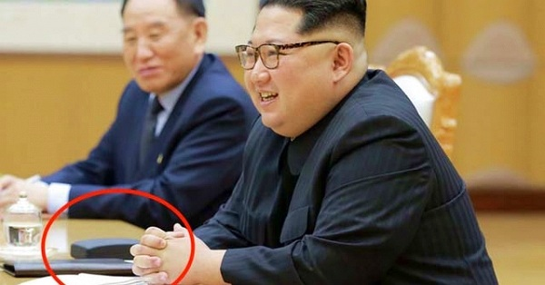 Bất ngờ với chiếc smartphone mà Chủ tịch Kim Jong Un đang sử dụng