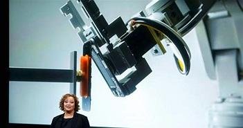 """Apple dùng robot """"xé"""" toạc iPhone để tái chế"""