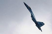 Su-35 thách thức mọi định luật vật lý khi trình diễn ở Army-2019