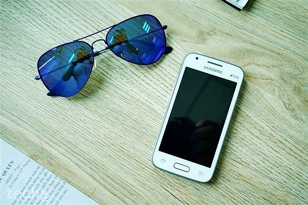 Trên tay Galaxy V Plus: Điện thoại giá rẻ dành cho người Việt