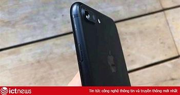 Cửa hàng 'dìm giá' iPhone xách tay, khách bức xúc vì bị moi tiền