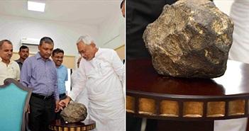 Bí ẩn vật thể nghi thiên thạch rơi xuống ruộng lúa Ấn Độ