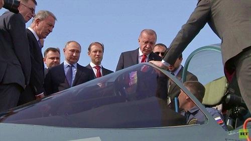 """Thổ Nhĩ Kỳ quan tâm Su-57, Tổng thống Putin """"chào hàng"""" bán ngay?"""
