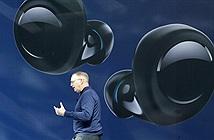 Sếp Amazon đeo AirPods để quảng cáo tai nghe Echo Buds