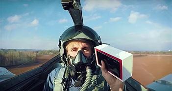 Choáng với Clip mở hộp OnePlus 3T trên máy bay tiêm kích
