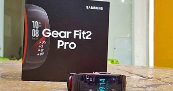 Trên tay vòng đeo thông minh Gear Fit 2 Pro: có GPS, theo dõi bơi, giá 4.19 triệu đồng