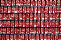 Coca-Cola cầu cứu cảnh sát sau khi lô nước ngọt có phân người