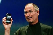 Khi iPhone lên 10, không ai còn nhớ nó khởi đầu gập ghềnh như thế nào
