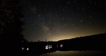Các nhà khoa học hé lộ bí mật về tín hiệu bí ẩn từ dải ngân hà