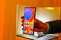 Điện thoại màn gập Huawei Mate X vẫn biệt tăm