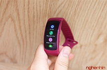 Xem kỹ vòng đeo sức khoẻ Gear Fit 2 giá 4 triệu