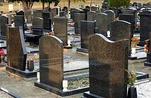 Di dời mộ cho người dì, thanh niên phát hiện điều không ngờ