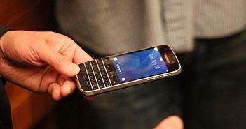 John Chen: BlackBerry sẽ không từ bỏ phím cứng