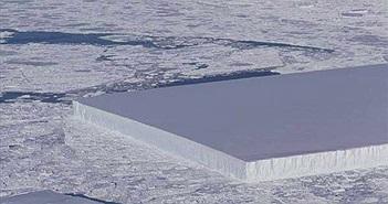 Kinh ngạc phát hiện tảng băng vuông vức kỳ lạ ở Nam Cực