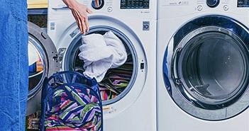 Chọn tủ sấy hay máy sấy để làm khô quần áo ướt trong ngày mưa gió rét?