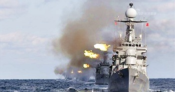 Mục kích tàu chiến Hàn Quốc nã pháo dữ dội trên biển