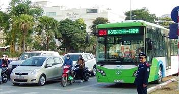 Hà Nội: 20 xe buýt nhanh BRT lăn bánh vào giờ cao điểm
