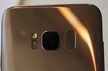 Galaxy S8 tự nhắc người dùng lau ống kính máy ảnh