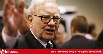 'Chê' iPhone X, tỷ phú Buffett xài điện thoại Samsung giá 20 USD