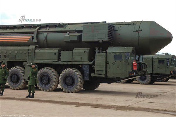 Cỗ máy răn đe hạt nhân của Nga trong ngày đại lễ