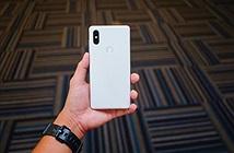 Xiaomi Mi MIX 3 lộ diện ảnh trên tay: 4 viền rất mỏng và cân đối