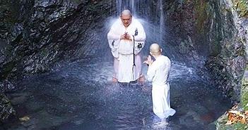 Takigyo - Thiền định dưới thác nước