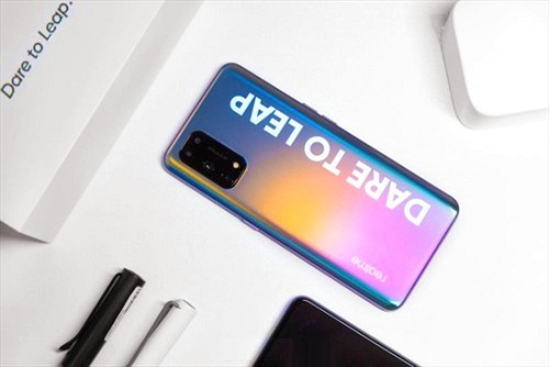 Realme X7 Pro: Màn hình 120 Hz, sạc nhanh 65W, chip Dimensity 1000+, giá rẻ