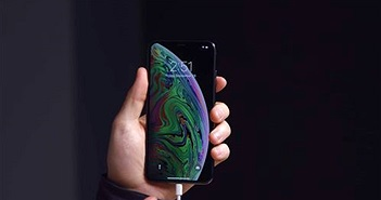 Một số chiếc iPhone XS và XS Max gặp lỗi cắm sạc cả tiếng không được % pin nào
